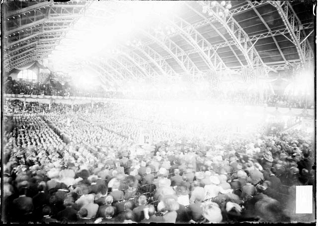 1908 convention photo inside Chicago Coleseum