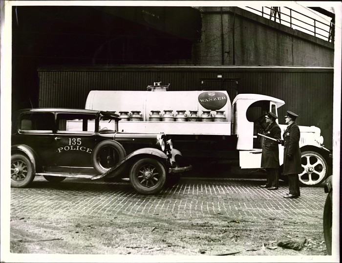 Chicago police car 1930s