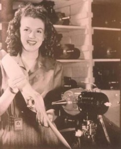 Marilyn_Monroe_Yank_Magazine_1945